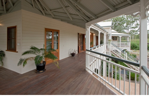 Ascot traditional queenslanders for Homes with verandahs all around