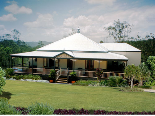 Queenslander traditional queenslanders for Queenslander home designs australia