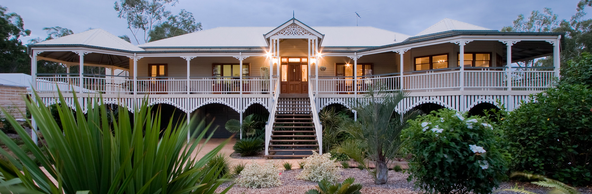 Traditional queenslanders garth chapman traditional for Classic house builders